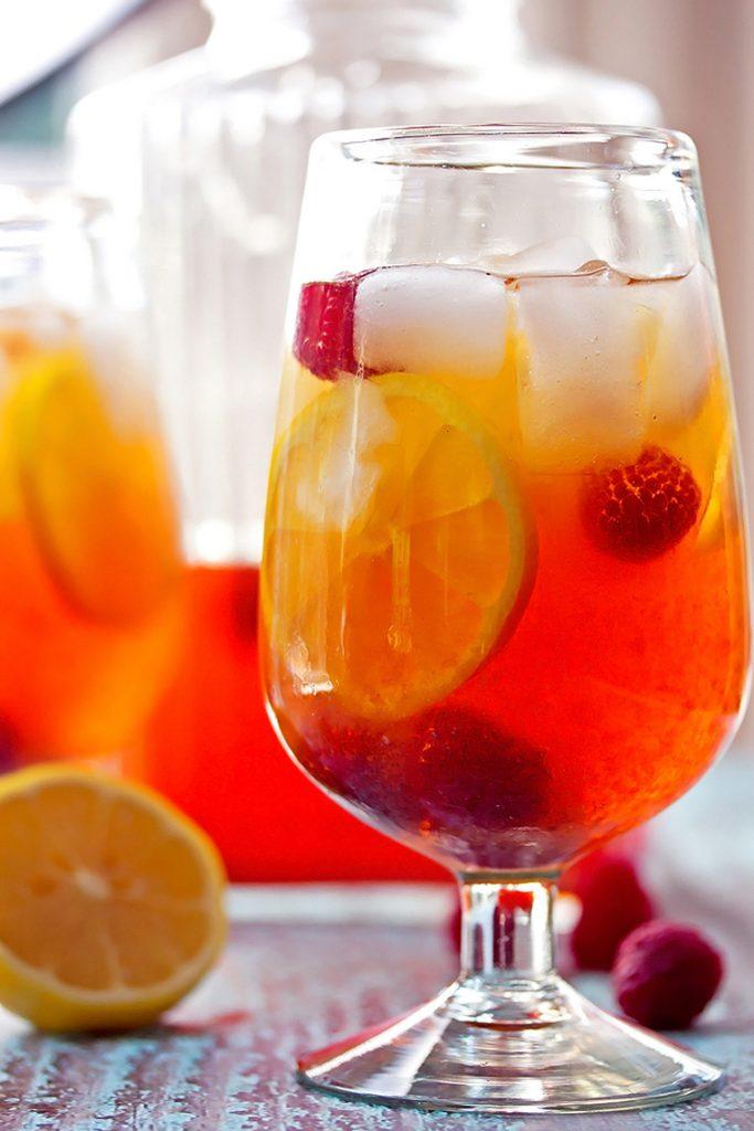Hard lemon and raspberry ice tea
