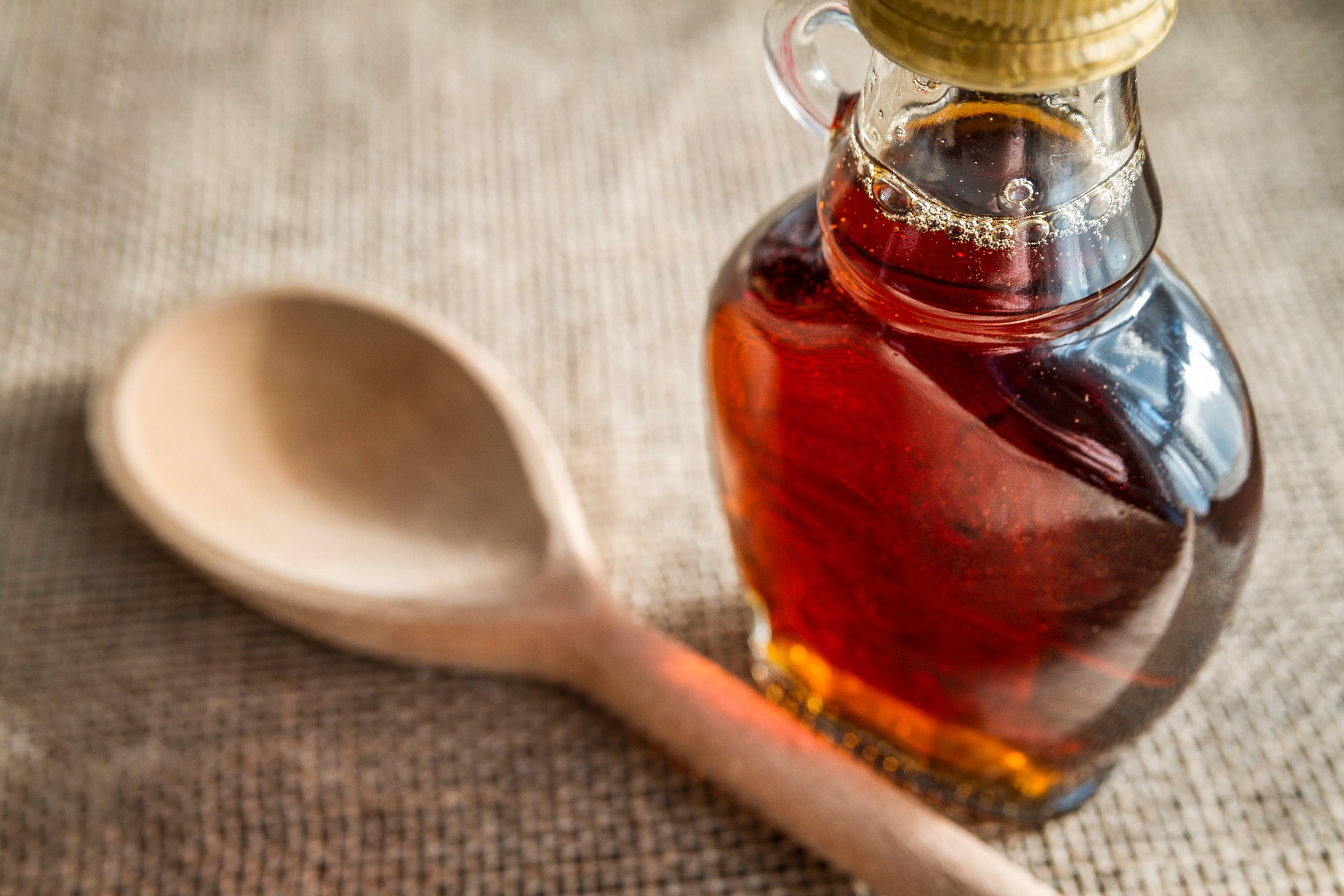 10 foods that aren't what you think they are_maple syrup