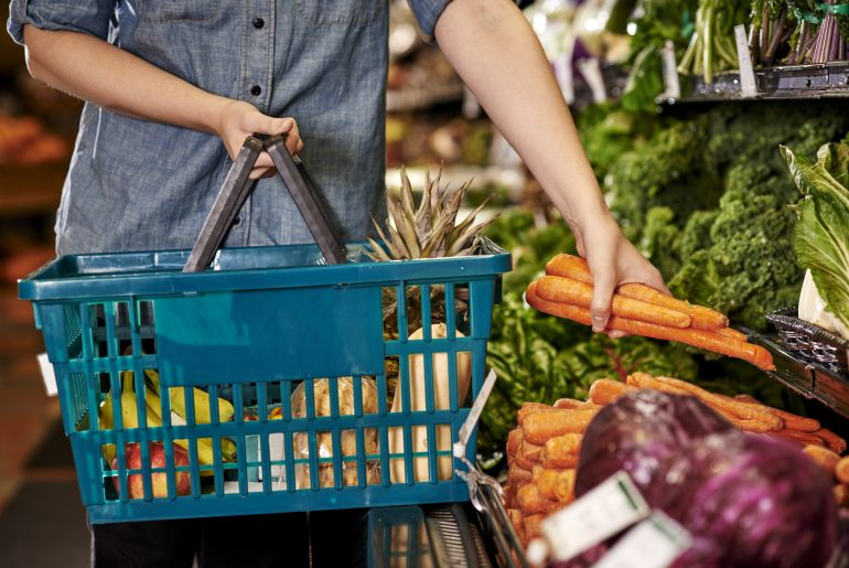 18 tips on how to eat healthy and still save money at the grocery store