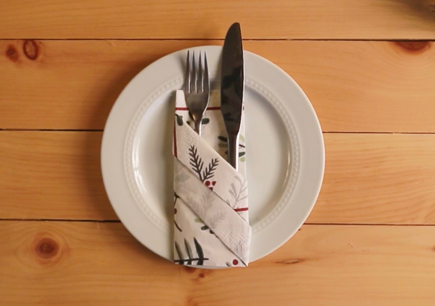 3 Fun Napkin Folding Ideas For Your Christmas Table Everybodycraves