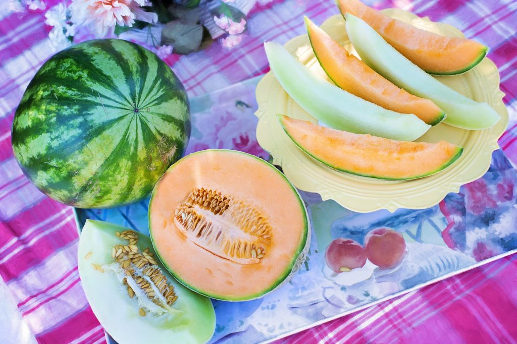 7 Hydrating foods to add to your diet this summer_cantaloupe