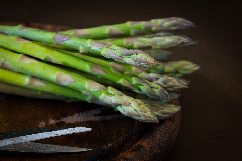 April produce guide What's in season_asparagus