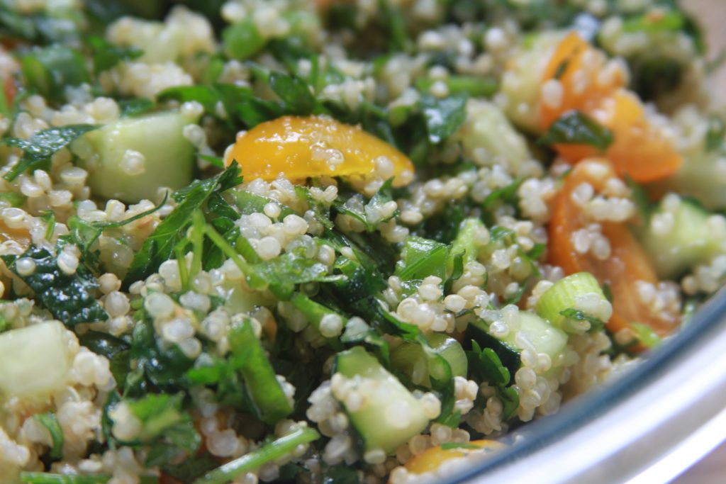 Explore the fresh flavors of Tabouli quinoa salad this spring-3