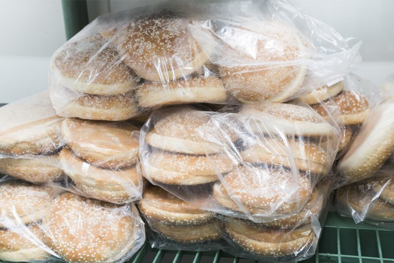 How to freeze and thaw bread while keeping it fresh
