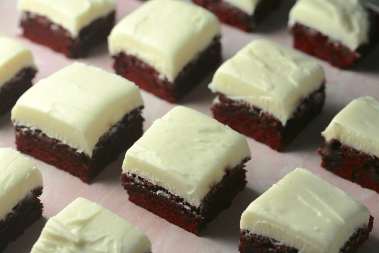 Red Velvet Brownies with cream cheese frosting_2