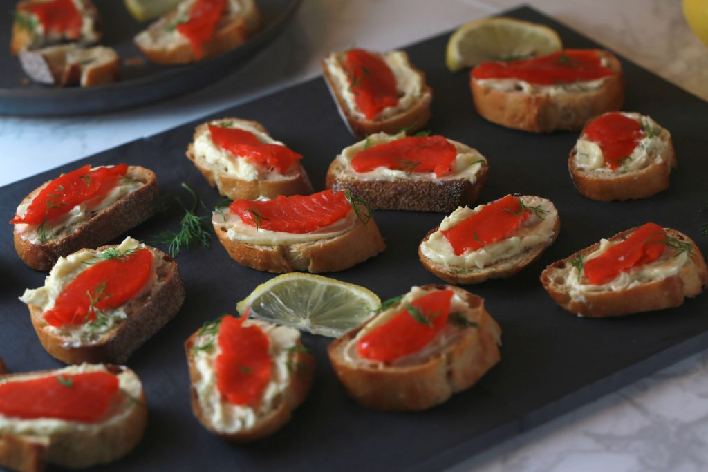 Smoked salmon crostini bites with mustard butter and dill_5