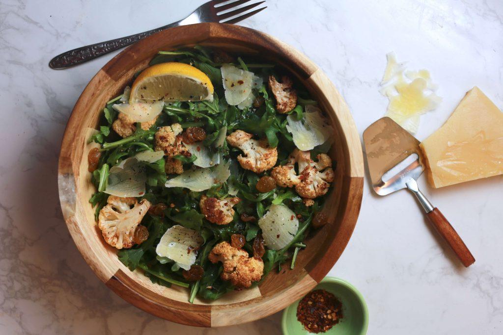 Spicy cauliflower, arugula salad2
