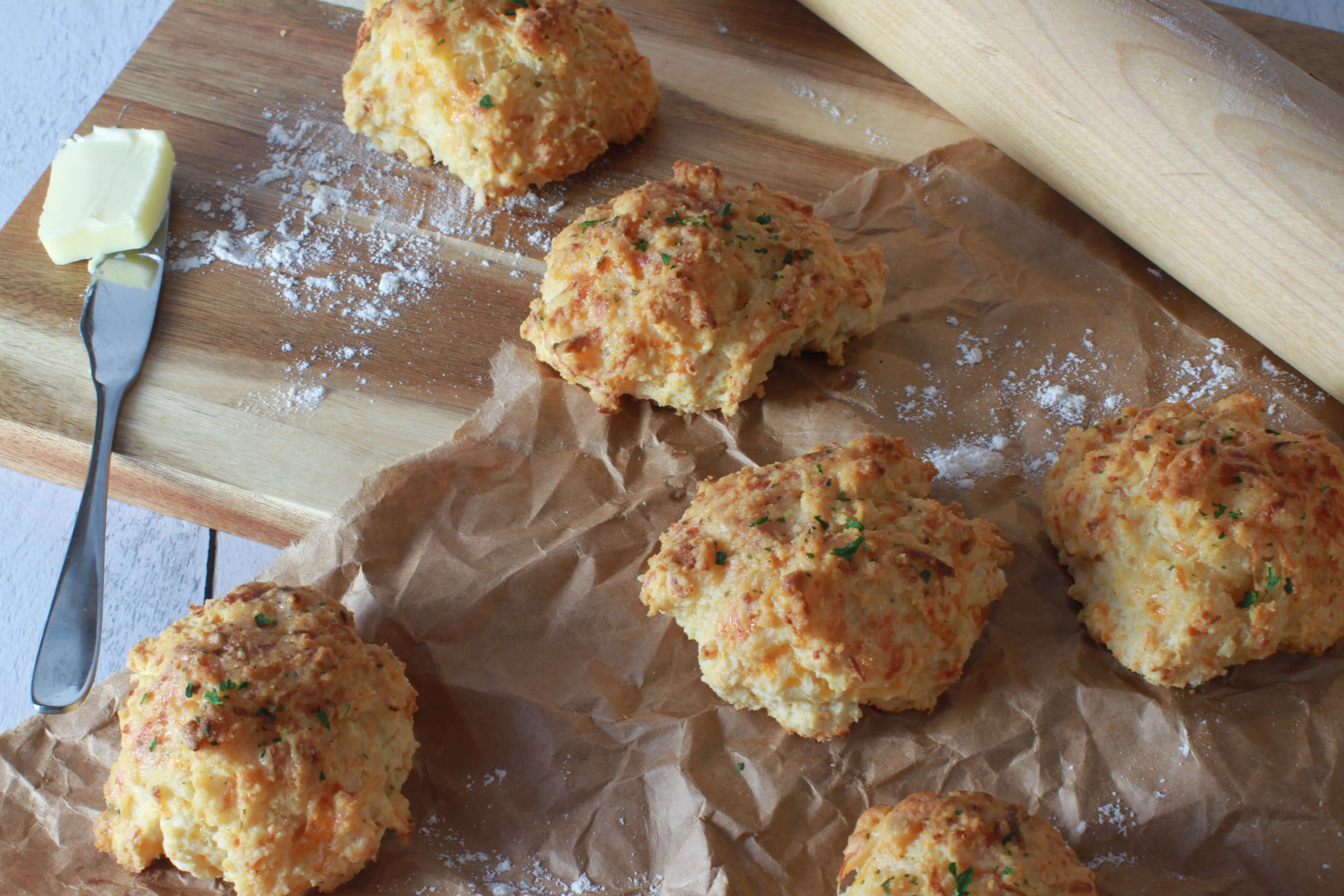Thanksgiving Cheddar biscuits_3