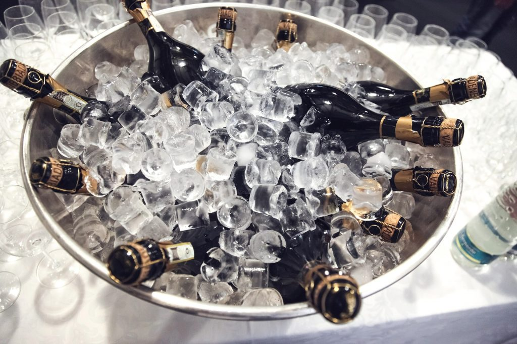 This is what makes Prosecco and Champagne This is what makes Prosecco and Champagne different_1different_1