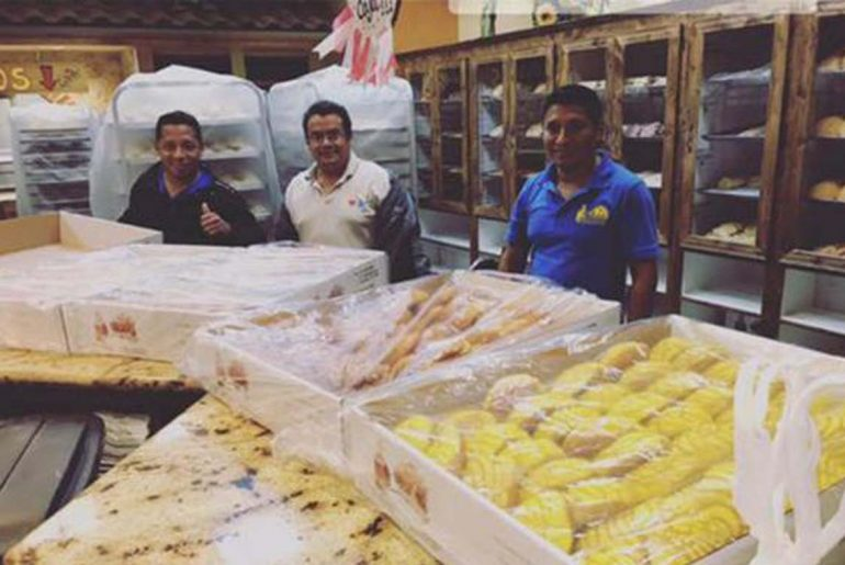Houston Bakers make hundreds of loaves of bread for harvey victims after hurricane strands them by Everybody Craves