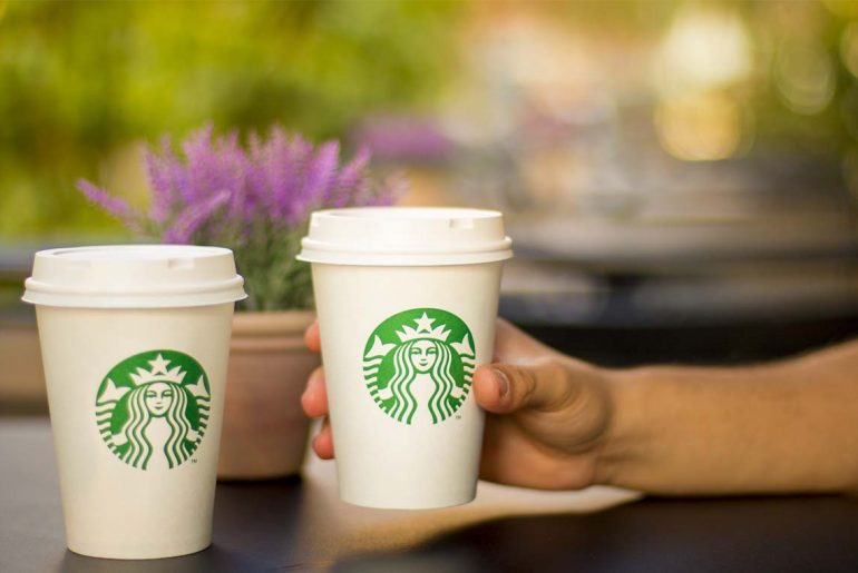 Starbucks edges out dunkin' donuts as american's favorite coffee by Everybody Craves
